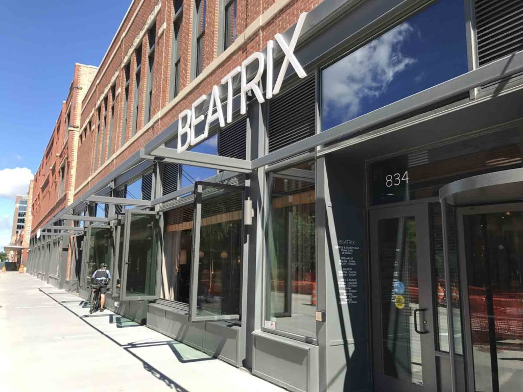 LaCantia Glass Walls and Patio Doors The Brickyard Milwaukee WI (14)