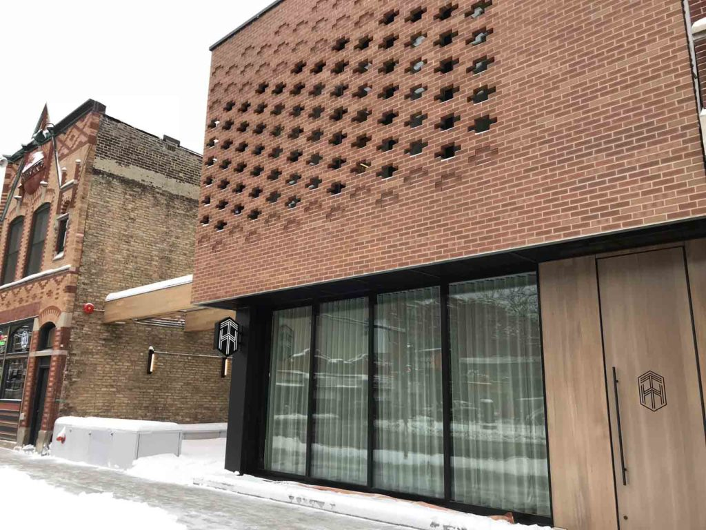 LaCantia Glass Walls and Patio Doors The Brickyard Milwaukee WI (5)