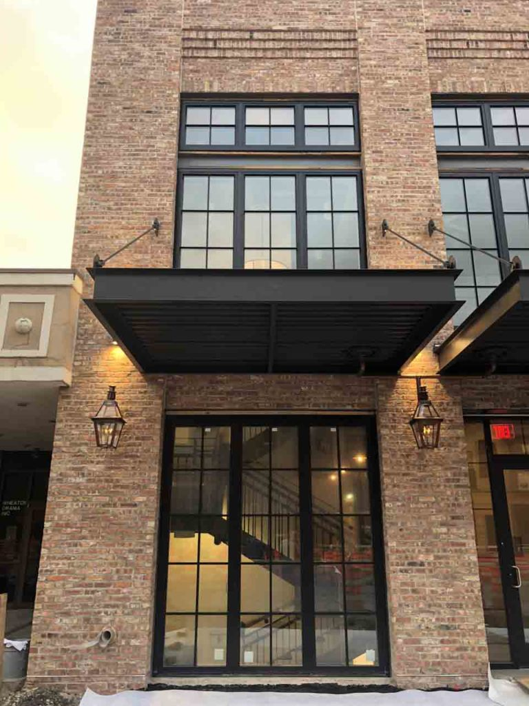 LaCantia Glass Walls and Patio Doors The Brickyard Milwaukee WI (6)
