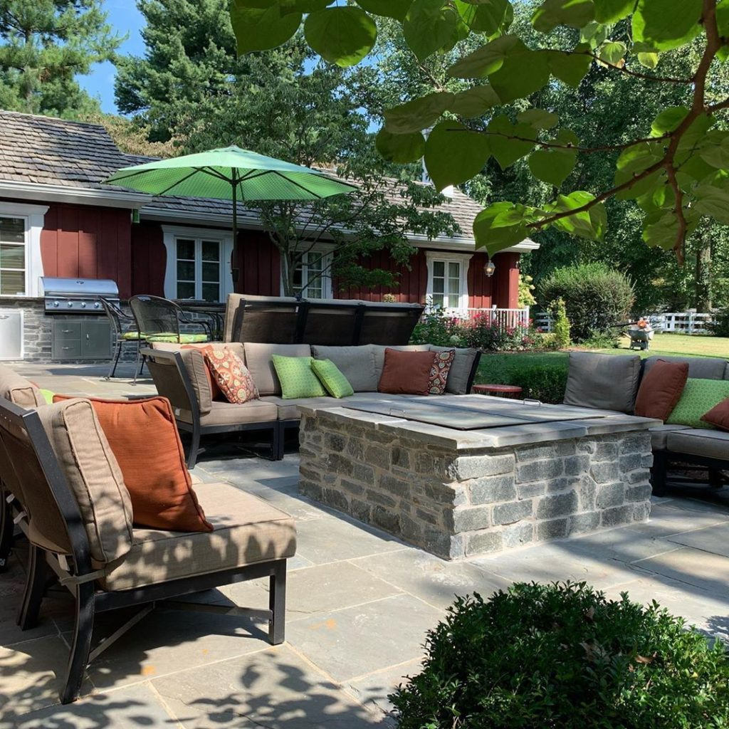 cozy-americana-retreat-lush-backyard-grand-fire_pit-stone-lovers-dream-in-illinois
